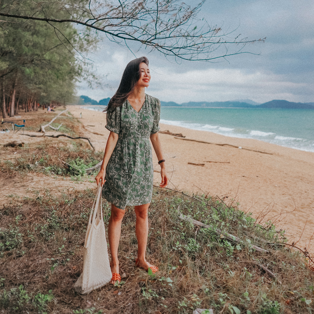 AS SEEN ON @WANDERCHU - AMALIA SLEEVED DRESS IN SAGE