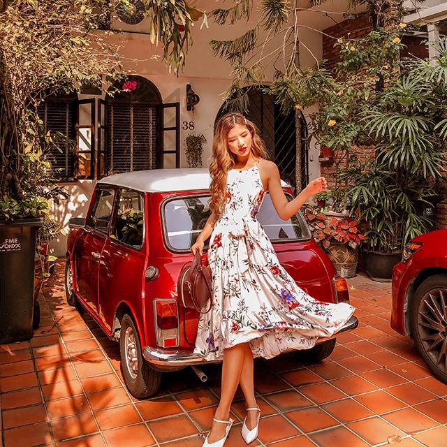 As seen on @jodiaarielle - Darina Floral Printed Midi Dress