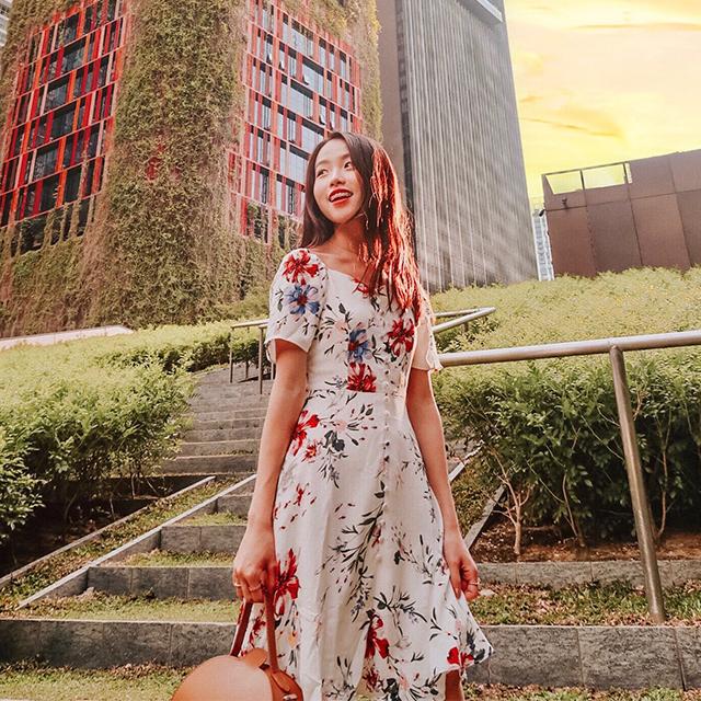 As seen on @jujujucloe - Darina Sleeved Floral Printed Dress