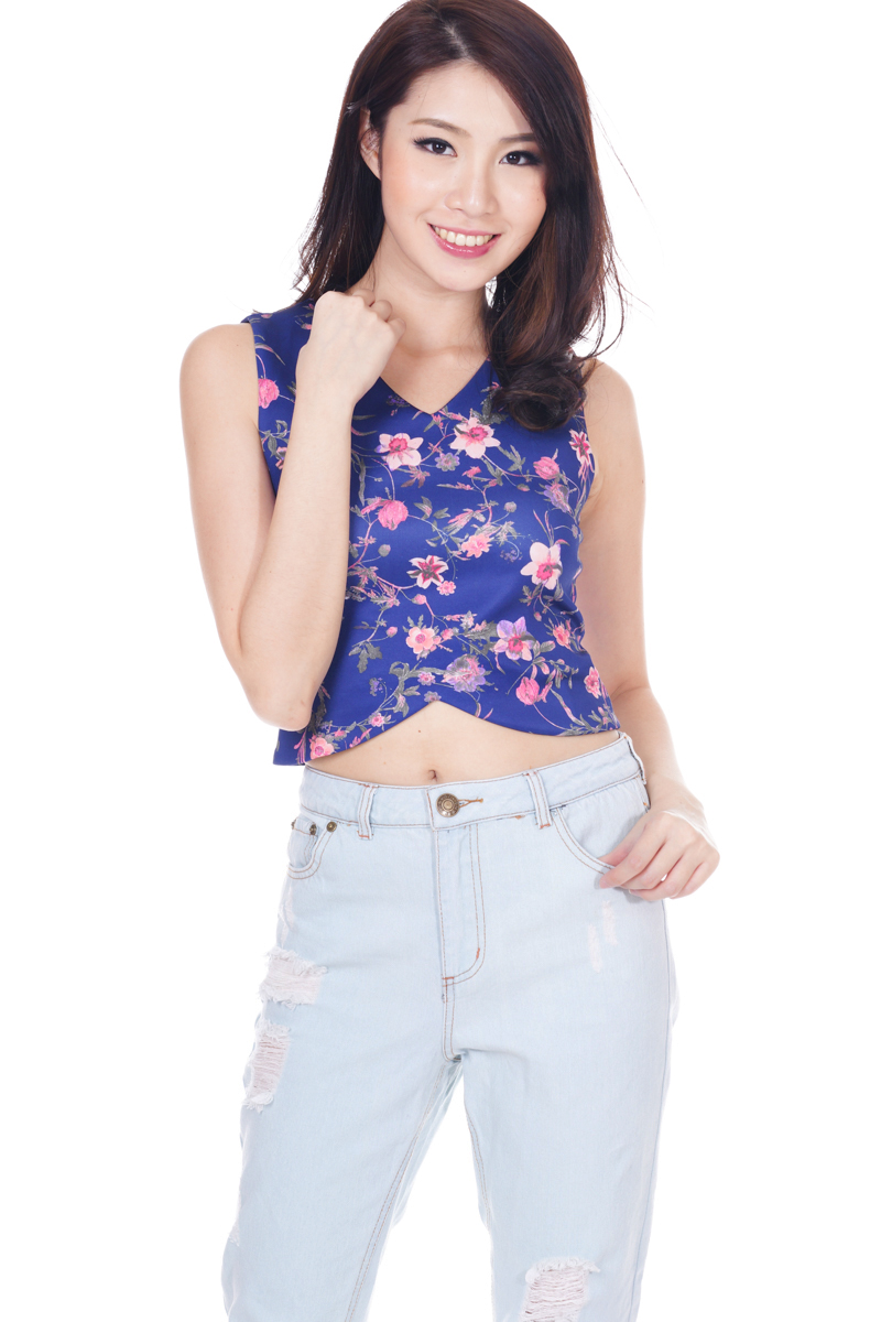 *Premium* TCL Chancery Floral Top In Navy