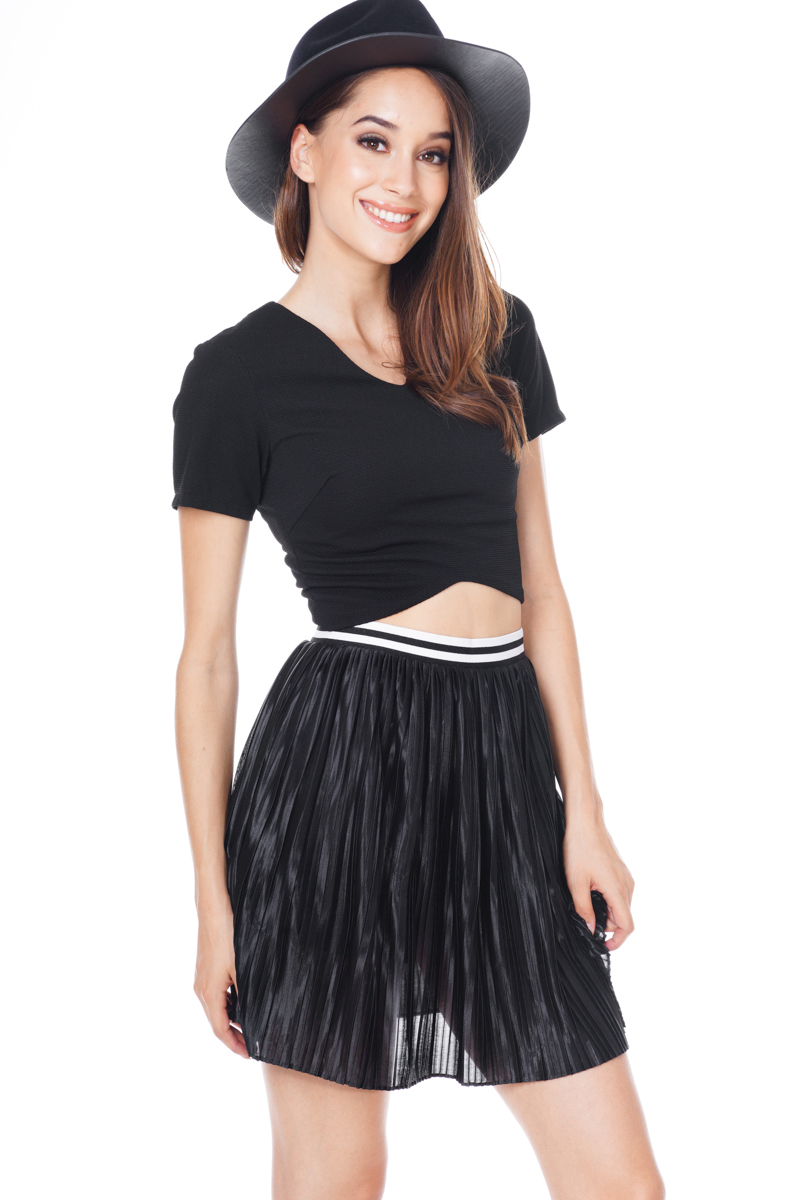 TCL Sporty Pleats Skirt in Black