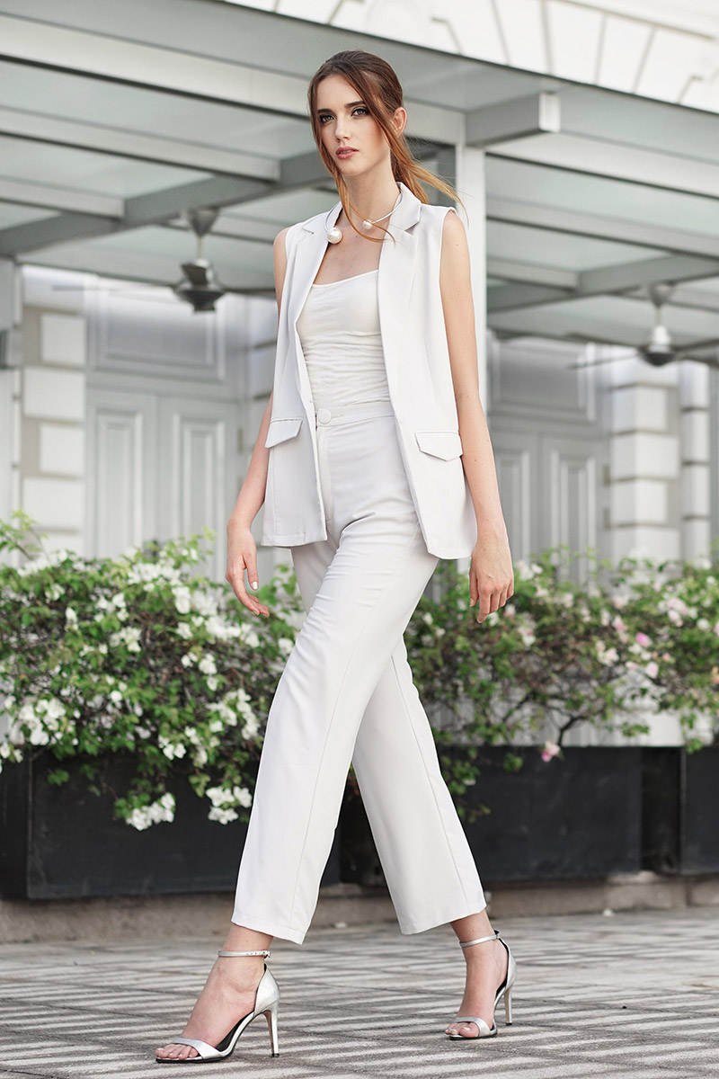*W. By TCL* Lauren Buttoned Pants in Grey