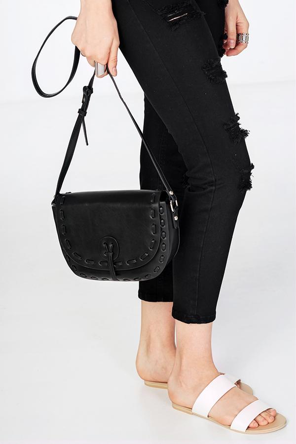 Rayle Sling Bag in Black