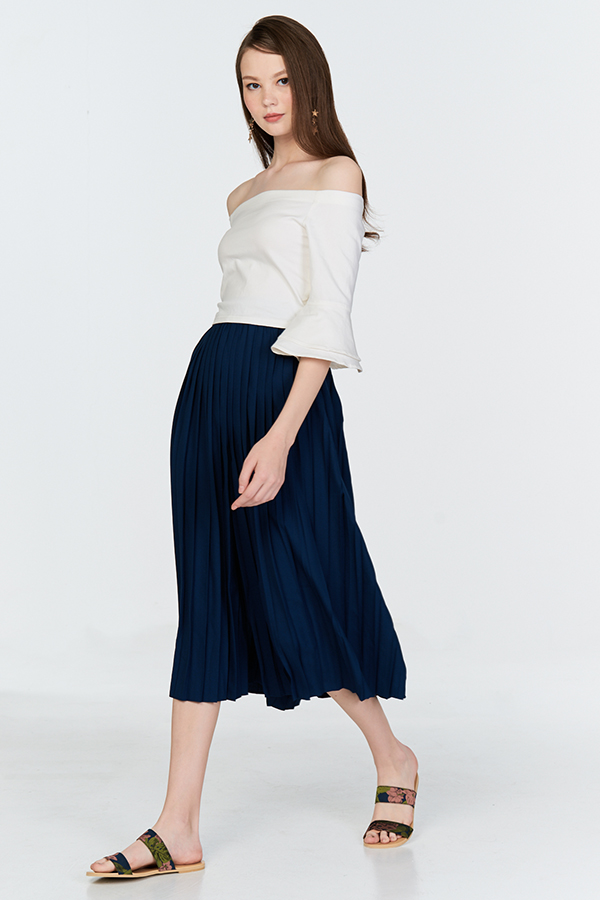 Amarlyn Pleated Pants in Navy
