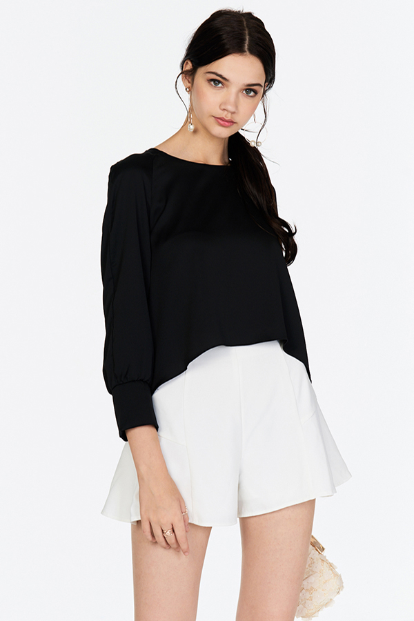 Kaila Sleeved Top in Black