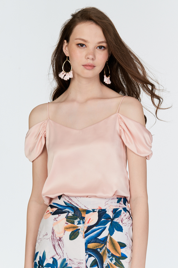 Everlyn Silk Blouse in Light Pink