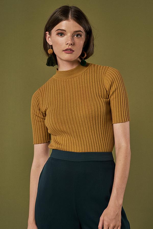 Elssa Knit Top in Mustard