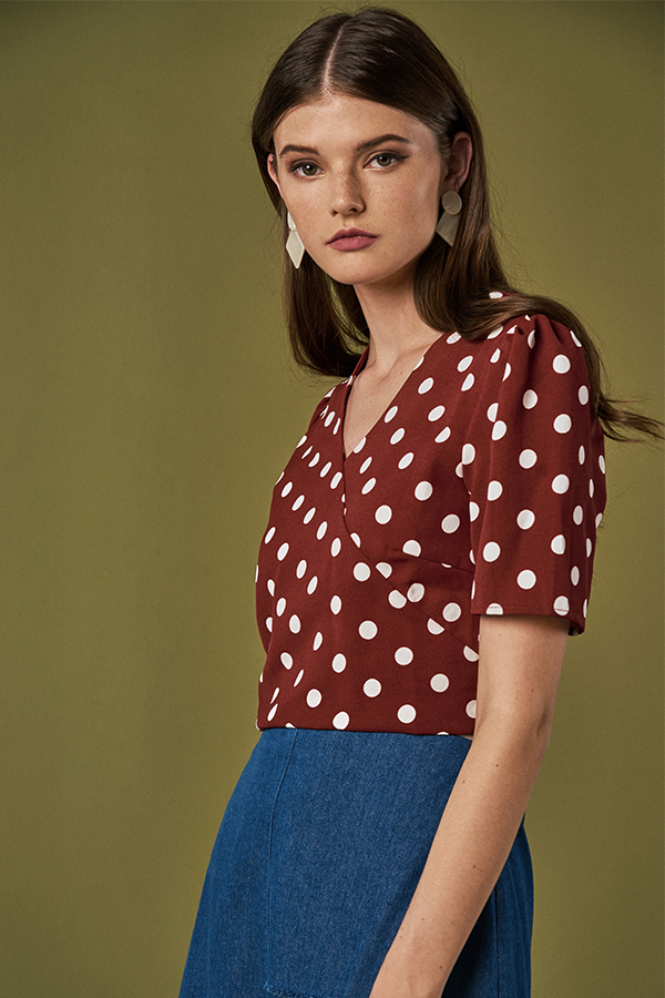 Jenna Dotted Top in Brick