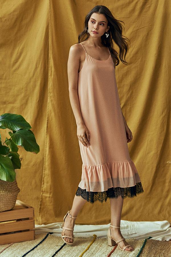 Saige Lace Hem Midi Dress in Peach
