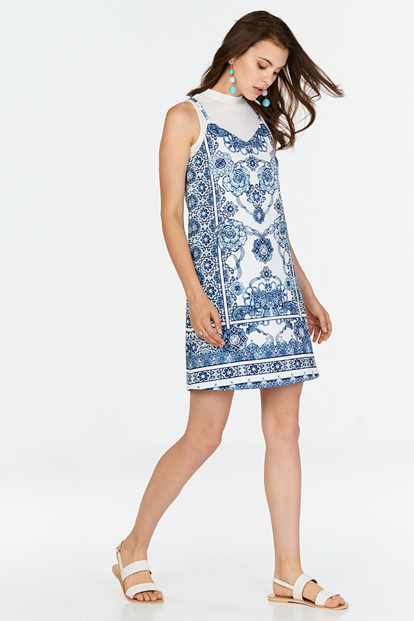 Kyleigh Baroque Printed Dress in Blue