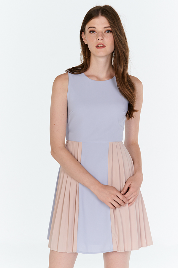 Kole Colourblock Pleated Dress in Lilac