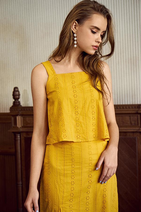 Amie Eyelet Top in Marigold