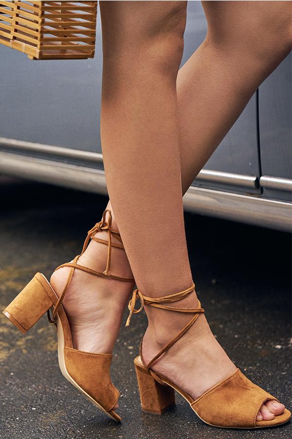 Bonita Heels With Detachable Lace in Tan