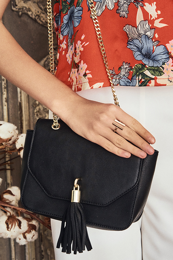 Nashi Tassel Bag in Black