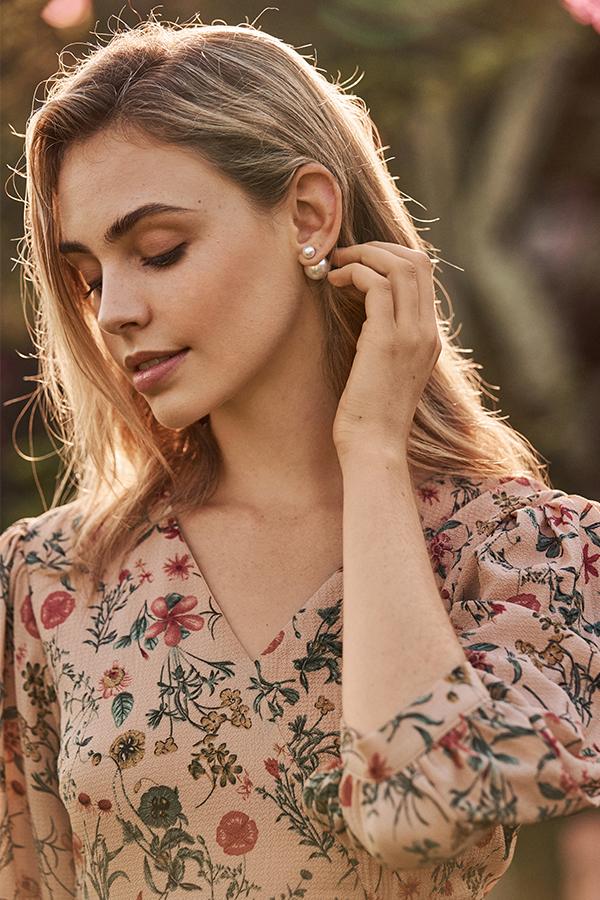 Rylie Pearl Stud Earrings