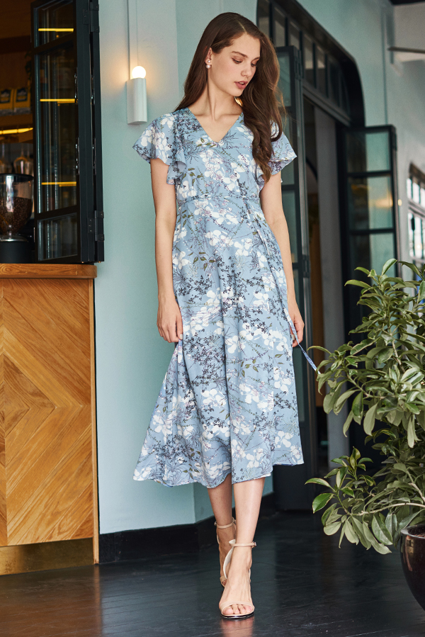 Ariel Floral Printed Midi Dress in Dusty Blue