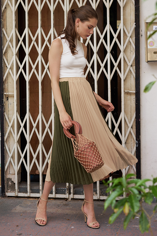 Estella Colourblock Two-Way Pleated Midi Skirt in Nude