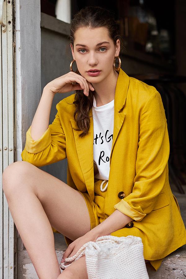 Ellyse Blazer in Mustard