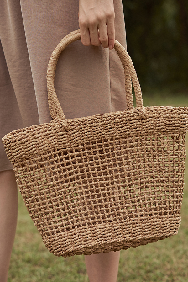 Elana Straw Bag in Beige