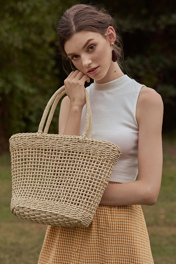 Elana Straw Bag in Cream
