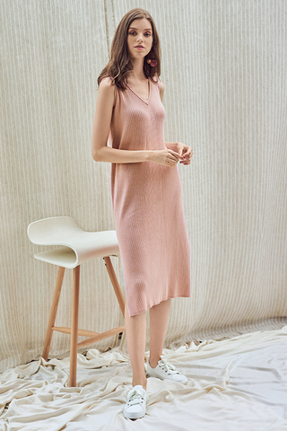 Serina Knitted Midi Dress in Pink