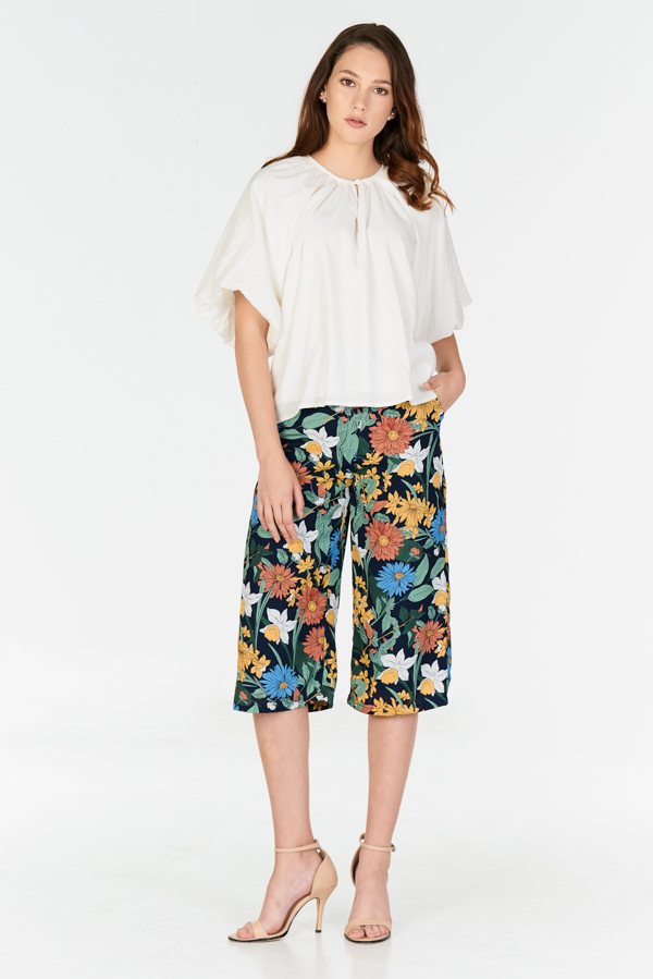 Caylia Floral Printed Culottes in Navy