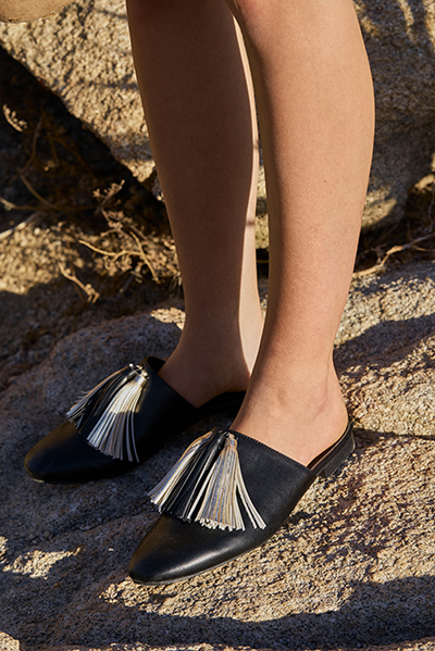 Hune Tassel Mules in Black