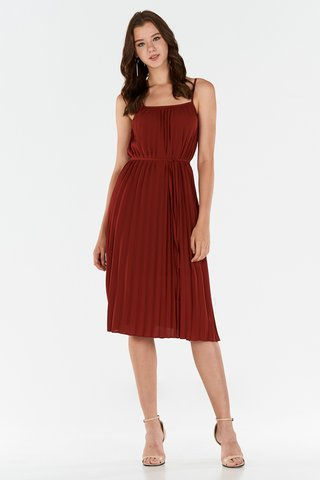 *Store Exclusive* Edira Pleated Midi Dress in Wine