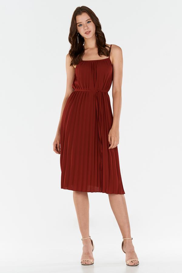 *Store Exclusive* Edira Pleated Midi Dress in Wine