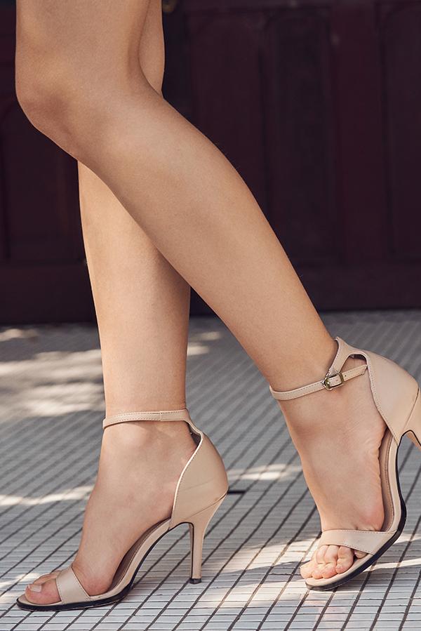 Minimalist Heels in Nude
