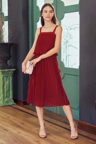 Raye Pleated Midi Skirt in Wine