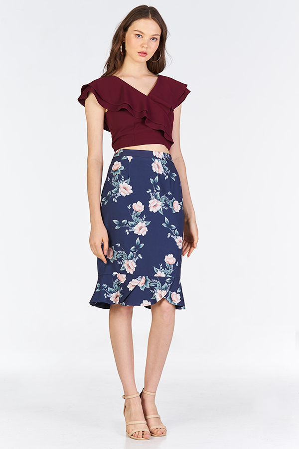 Fenn Ruffled Top in Wine