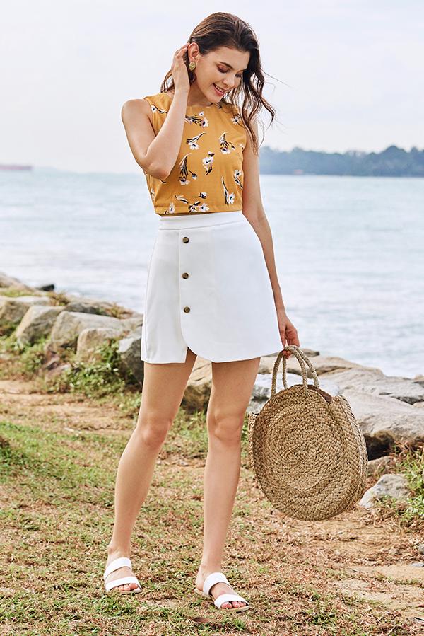 Elinn Buttoned Skorts in White