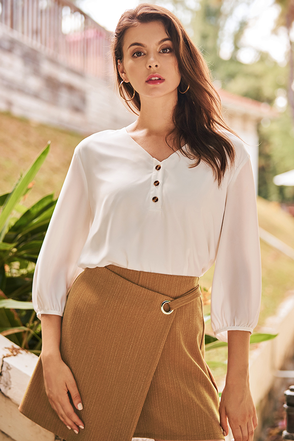 Solyn Buttoned Top in White