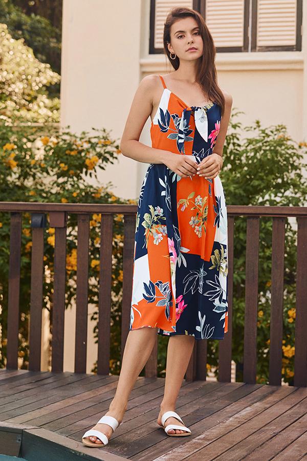 67ed95928f7 Clarrin Floral Printed Midi Dress