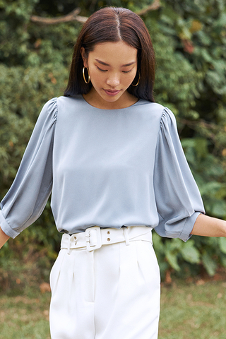 Hansel Sleeved Top in Dusty Blue