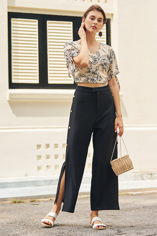 Lorenta Side Buttoned Pants in Black
