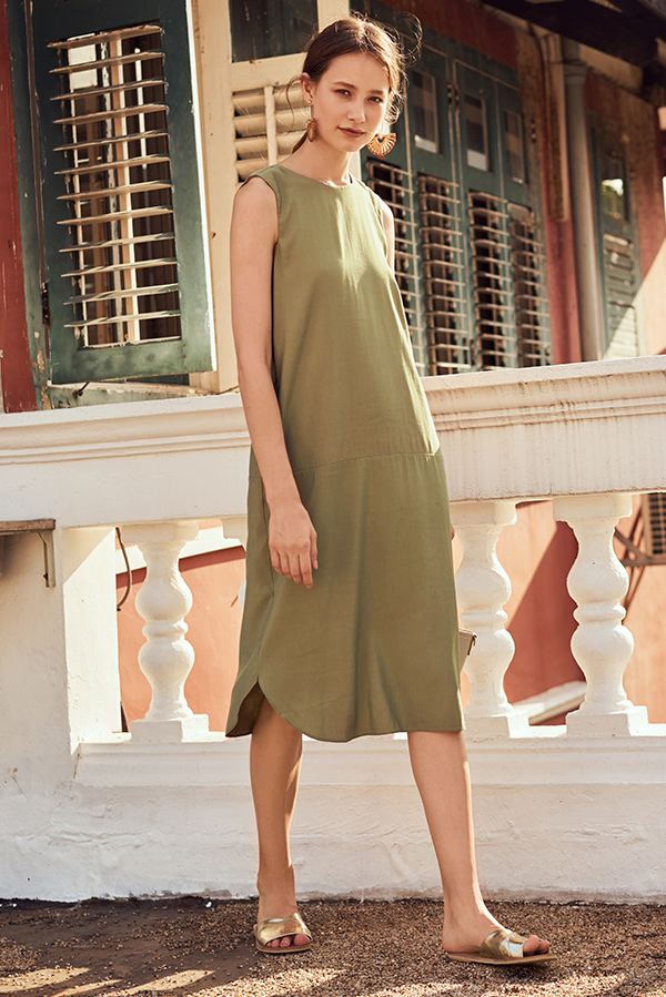 Wistora Two Way Midi Dress in Olive