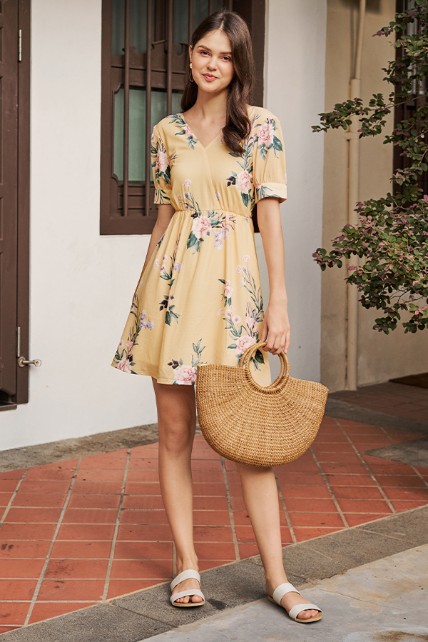Sorinna Floral Printed Dress in Yellow