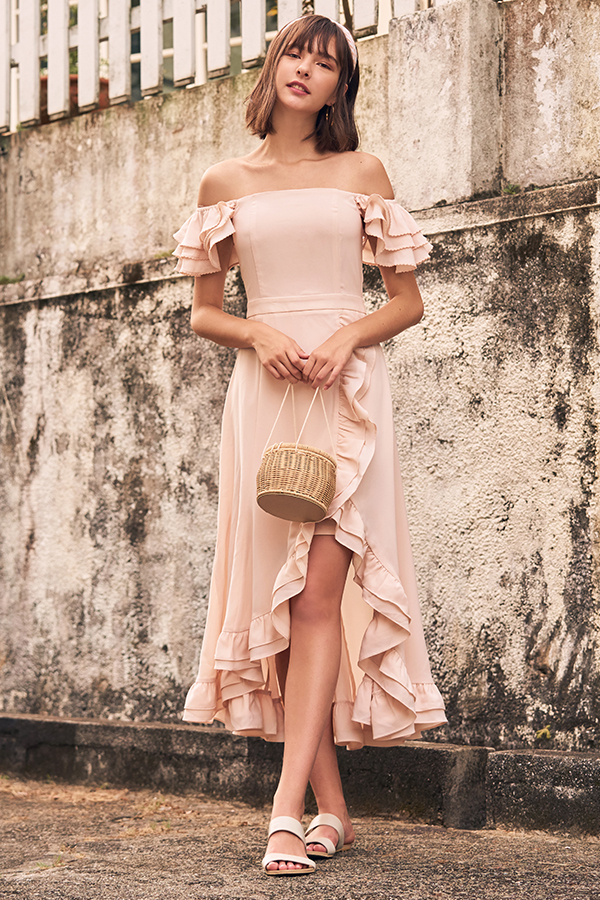 Maisha Ruffles Midi Dress in Light Pink
