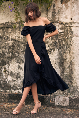 Maisha Ruffles Midi Dress in Black