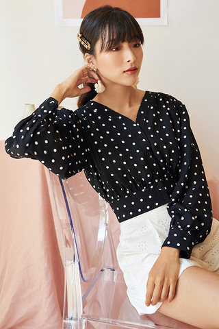 Ennla Dotted Top in Black