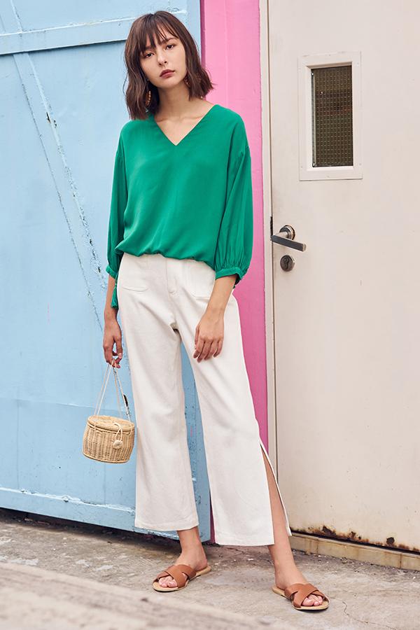 Rayana Tassel Sleeved Top in Green