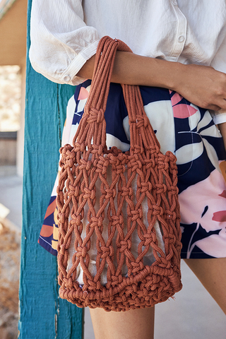 Hali Weaved Knitted Bag in Rust