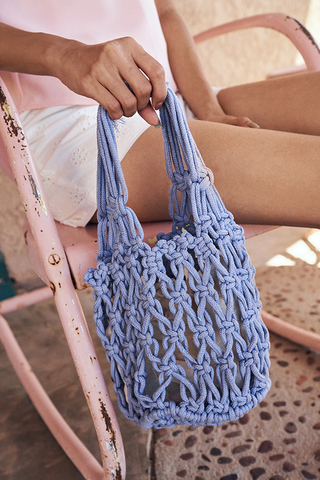 Hali Weaved Knitted Bag in Periwinkle