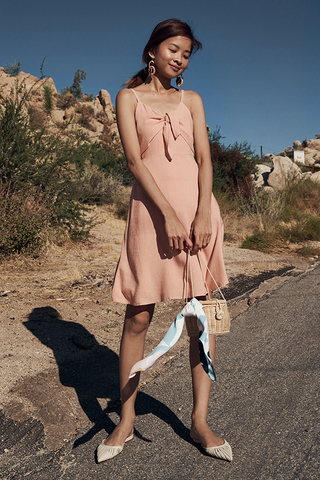 Estrella Linen Dress in Pink