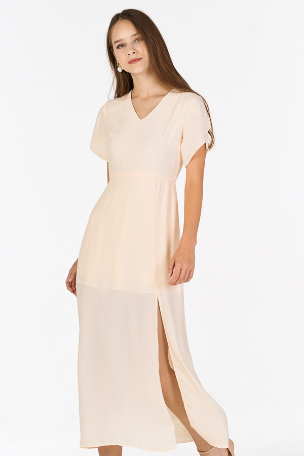 Jadean Sleeved Dress in Cream