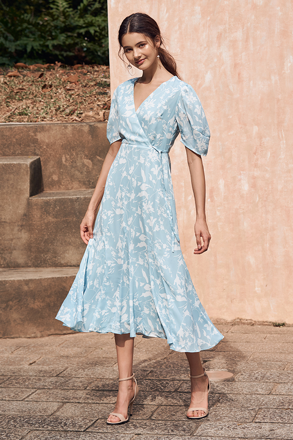 Ashlea Foliage Printed Midi Dress in Powder Blue