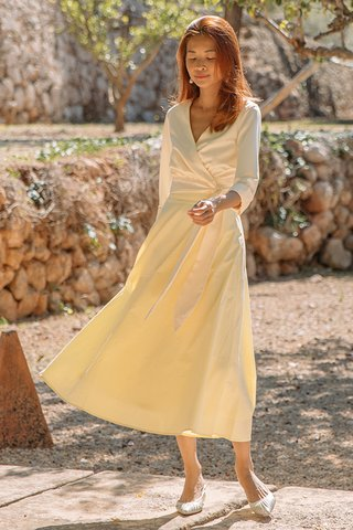 Noelia Midi Skirt in Lemon Chiffon