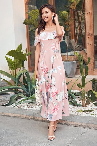 Kyras Maxi Dress in Pink